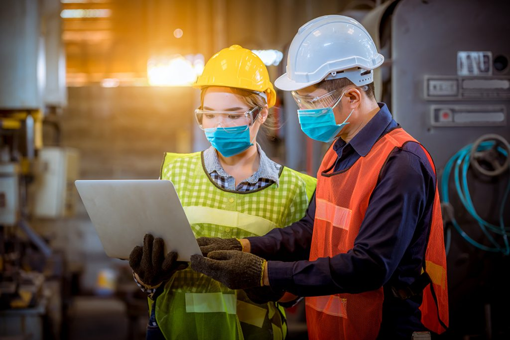2 supervisors in the manufacturing site looking at their Salesforce CPQ data